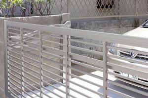 Brama garażowa – przegląd modeli i cen