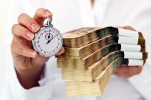 Chwilówka pozabankowa. Kiedy najbardziej się opłaca?
