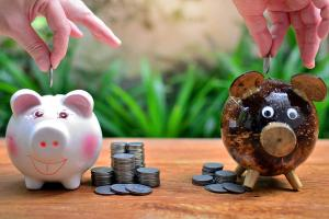 Co sprawdzić, porównując umowy kredytowe?