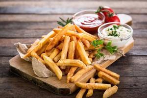 Frytkownica – tradycyjna czy beztłuszczowa?