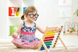 Jak nauczyć dziecko oszczędzać?