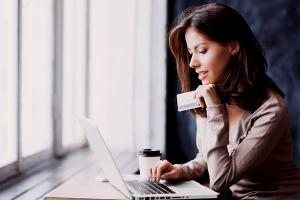 Jak płacić kartą w zagranicznych sklepach on-line?
