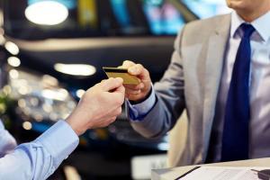 Karta kredytowa także wpływa na zdolność kredytową