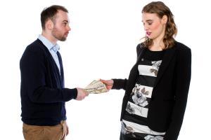 Kiedy nie powinniśmy pożyczać pieniędzy?