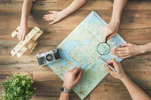 Kiedy wyjechać na wakacje i zapłacić za nie jak najmniej?
