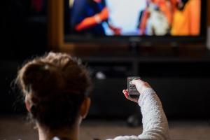 Kto nie musi płacić abonamentu telewizyjnego?