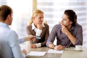 Pieniądze w małżeństwie – dwa konta czy jedno?