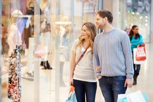 Pieniądze w małżeństwie – kto płaci za zakupy?