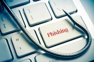 Uwaga na niebezpieczne e-maile. Jak nie dać się oszukać?