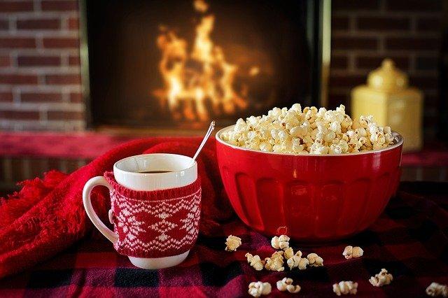 10 sposobów na to, jak spędzić Święta Bożego Narodzenia w domu!